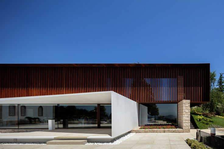 Palacio Igreja Velha / Visioarq Aquitectos