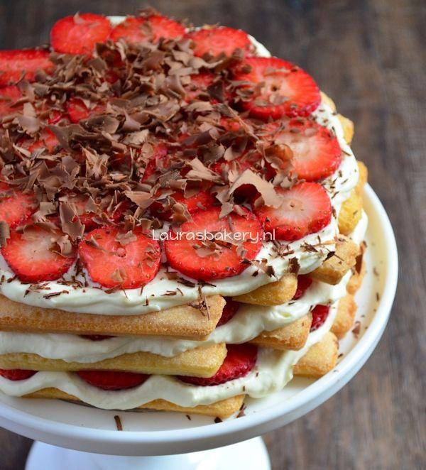 Aardbeien tiramisu taart