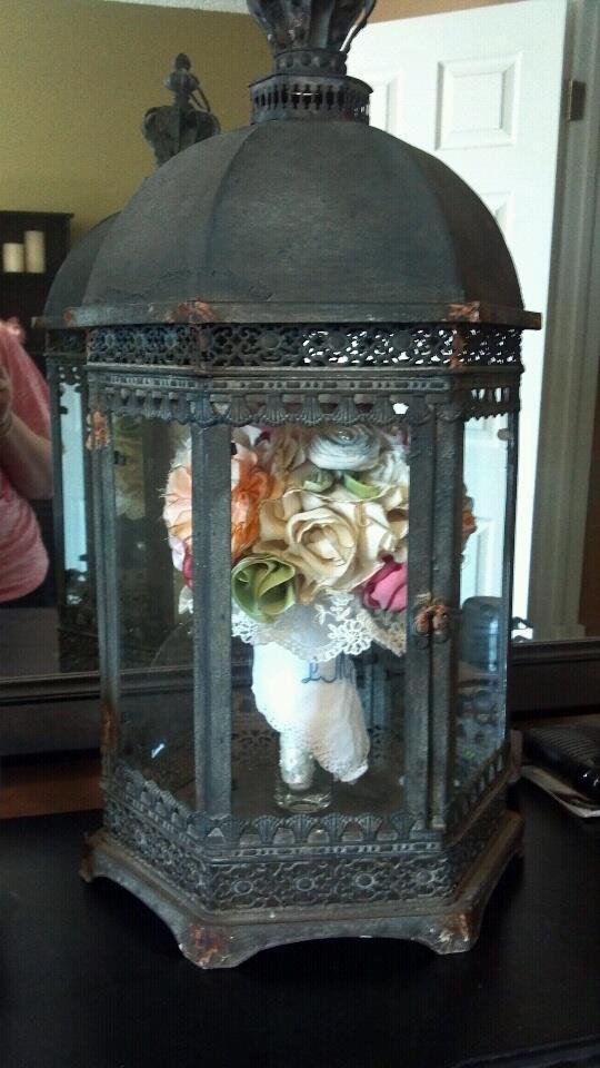 48 best Wedding Displays: Dress Bouquets Veil and Other Mementos ...