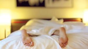 Schlaftipp mit dem Thema Schlafphasen und Schlafzyklen