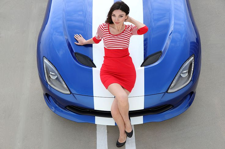 Dodge Viper vs Stylish Babe