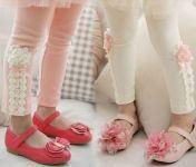 mooie romantische legging met kant en roosjes