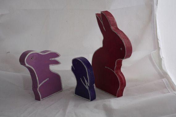lapin en bois peint et vernis