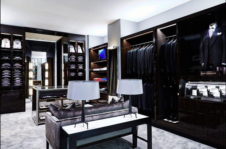 tom ford shop interior, masculine dressing room #krinteriorblog #tomfordstore #masculinedressingspace
