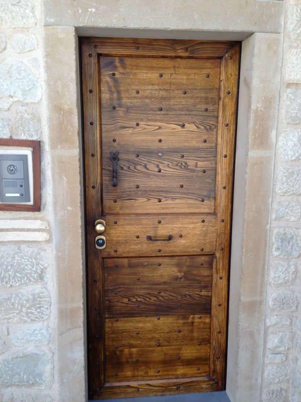 Oltre 25 fantastiche idee su vecchie porte in legno su for Porte antiche prezzi
