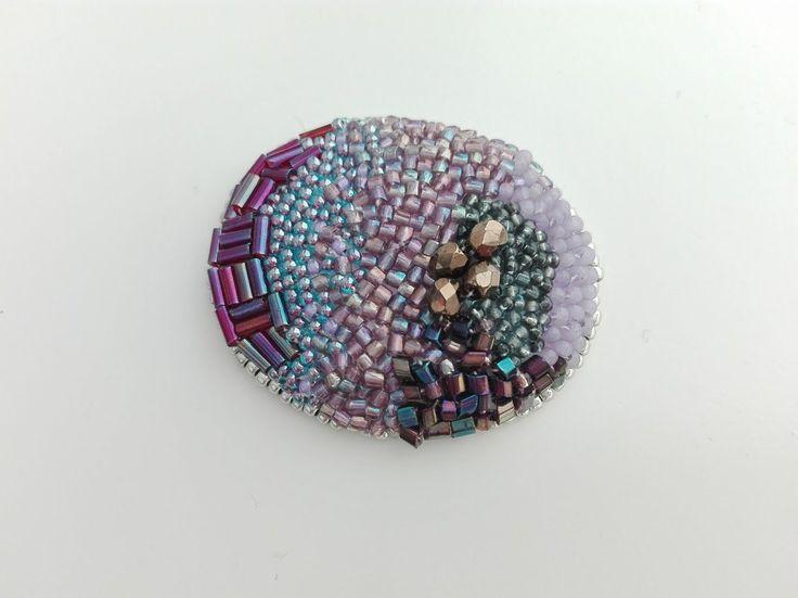 刺繍ブローチ maru 紫 2の画像4枚目