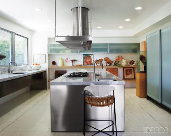 Modern kitchen with island ( from Elle Decors lookbook)