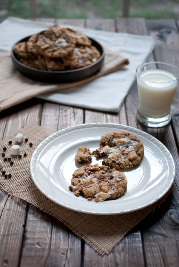 www.Simple Craves & Olive Oil Ooey Gooey & Chewy S'mores Cookies