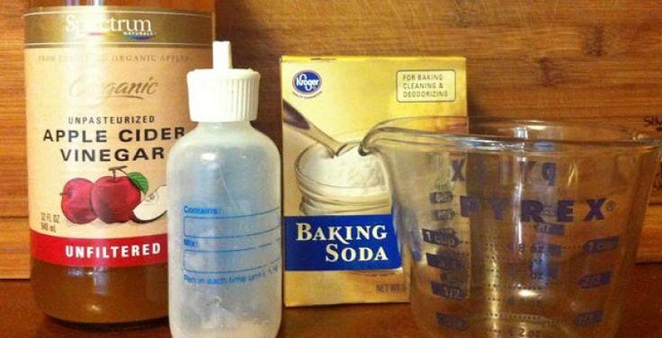 shampoo: Wat heb ik nodig? -1 eetlepel baking soda -2 kopjes water -1 kopje appelazijn -1 flesje -Cocosnootolie