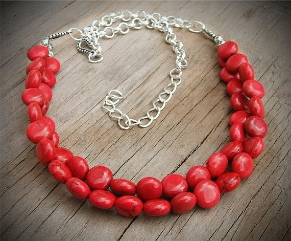Gorgeous Red Necklace - Perfect for fall fashions! #red #necklace