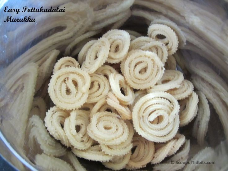 Pottukadalai Murruku is a very easy to make tasty snack, which involves less preparation. This murukku is made from rice flour and Pottukadalai. Pottukadal