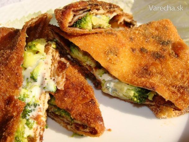 Vyprážané palacinky plnené brokolicou a syrom - Recept