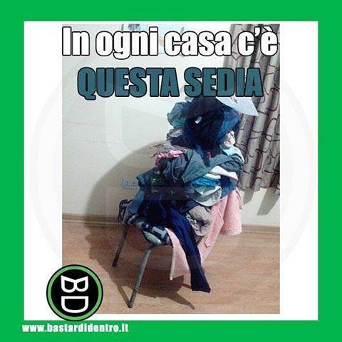 Tagga i tuoi amici e #condividi #bastardidentro #sedia #vestiti www.bastardidentro.it