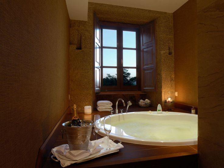 jacuzzi suite hotel a quinta da auga y suites con encanto en santiago de