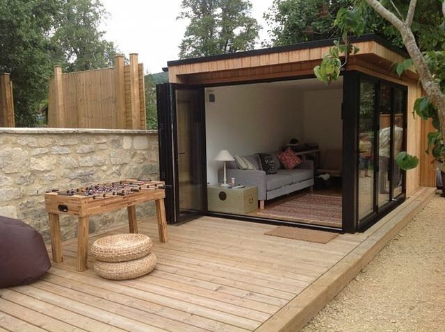 This modern tiny shed micro structure would be a great backyard addition for some studio space or a she shed.  #sheshed #tinyspaces