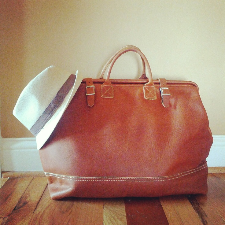 A hat for the beach and I'm all packed in my favorite Mason Luggage Bag from STYLEVISA. Ready for Miami!