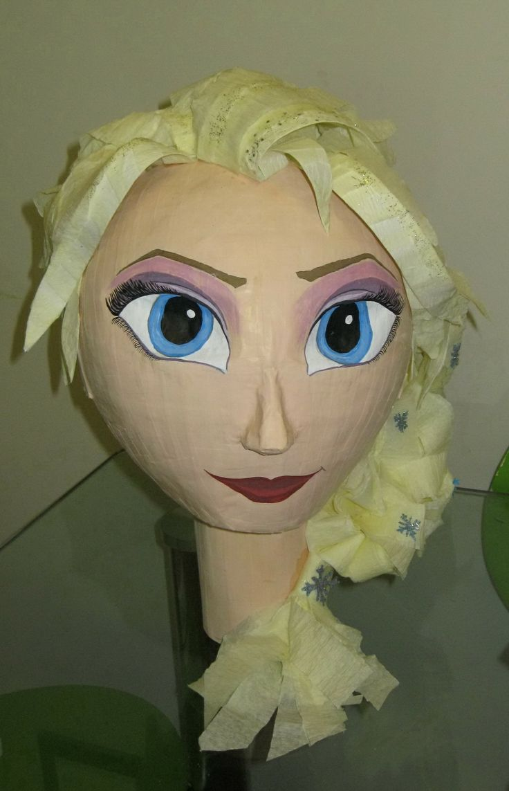 Frozen pinata Elsa 12 birthday