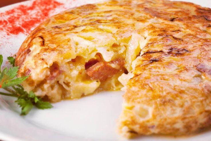 Para pedir tortilla de papas - Bar El Federal - La tortilla: animate a la que lleva queso gruyere y arvejas. Acompañala con la cerveza colorada. Carlos Calvo 599, San Telmo - www.barelfederal.com.ar