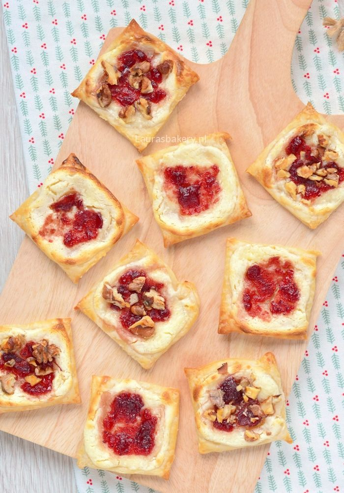 cranberry cream cheese tarts - Cranberry roomkaas taartjes - Laura's Bakery