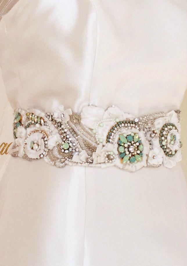 972 best images about bordados on pinterest hand for Vintage wedding dress belts