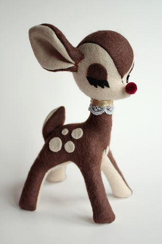cute deer - theneedle.org GO HERE http://theneedleblog.blogspot.com/2008/10/deer-plush.html