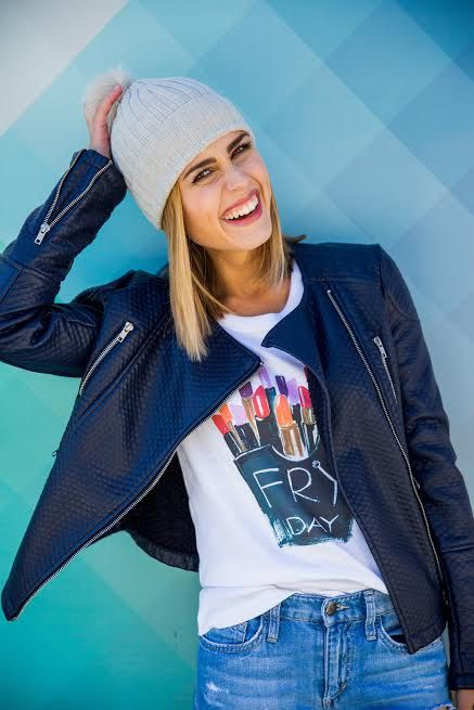 Graphic Tee,Gift for her,Chic Graphic Tee, Statement T-shirt, Women Graphic Tees,Cute Tshirts,Graphic tees,Womens tee,Christmas gift,FRY DAY