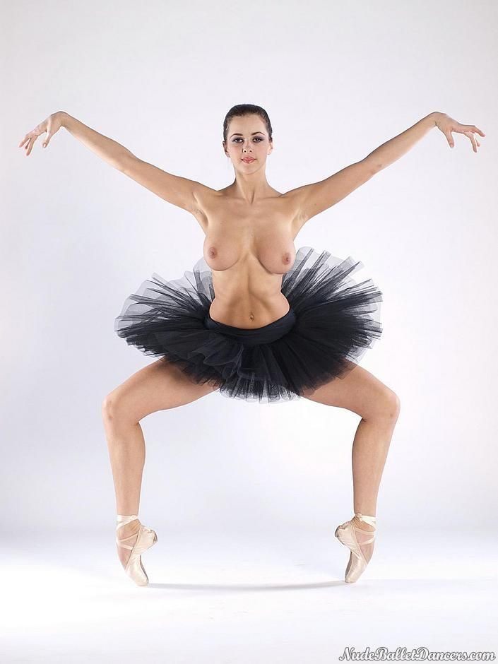 Naked Ballet Dancer 46