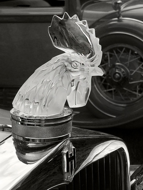 Lalique Crystal Rooster Mascot Mounted On Raditor Of A