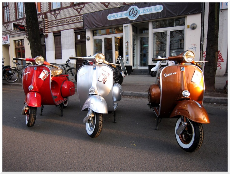 die besten 17 bilder zu vespa lambretta auf pinterest motorroller vintage vespa und roller. Black Bedroom Furniture Sets. Home Design Ideas