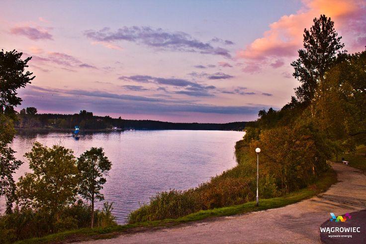 Zachód słońca nad Jeziorem Durowskim. #wagrowiec #wielkopolska #polska #poland #wągrowiec #jeziorodurowskie #lake #autumn #jesien #jesień #sunset Fot. Łukasz Cieślak