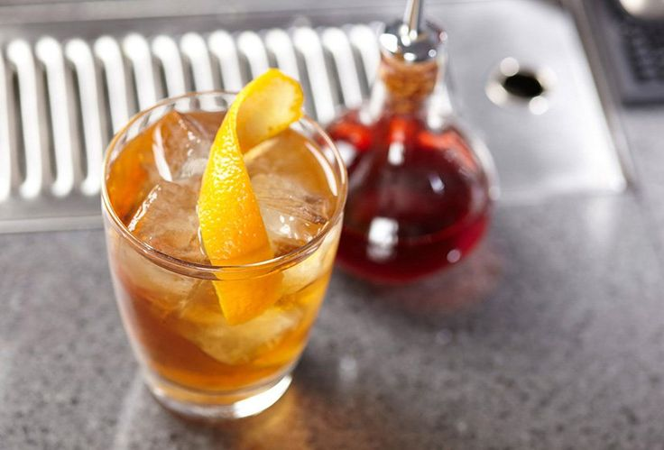 Learn how to make quick & easy whiskey sour with Bulleit Bourbon, lemon juice and no egg whites required.