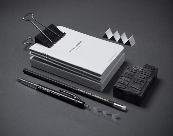 "BLACK on WHITE Par Vetted 3 carnets ""dot grid"", crayon et stylo"