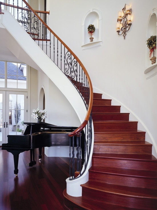 iron railings with interesting swirl; not too muchTraditional Staircas, Curves Staircas, Decor Ideas, Foyers Design, Staircas Design, Dreams House, Vintage Design, Stairs Design, Piano Room