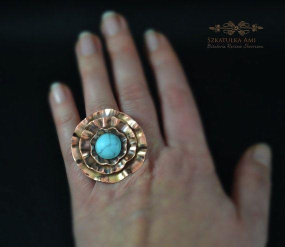 Flower Ring Copper Howlit turquoise Boho by SzkatulkaAmiJewelry #CopperRing #Stone #Boho #Turquoise