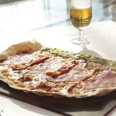 #Mezzaluna significa media Luna en italiano, y también es el nombre de esta espectacular pasta :) http://www.latagliatella.es/menu/pasta-ripiena-casalinga/
