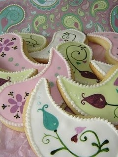 pretty cookies, love the paisely idea