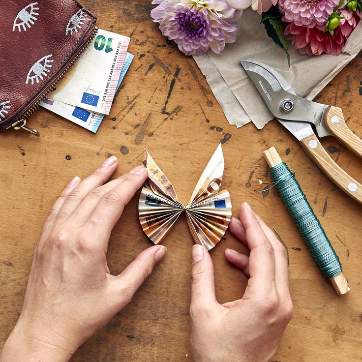 Origami-Schmetterling. DIY Anleitung. Geldgeschenk falten.