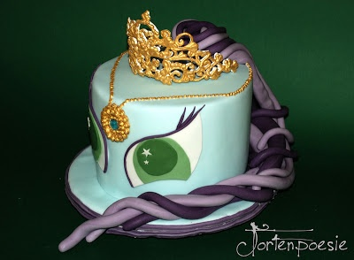 Filly unicorn cake (http://www.tortenpoesie.blogspot.co.at/2013/03/das-kleine-pony.html)