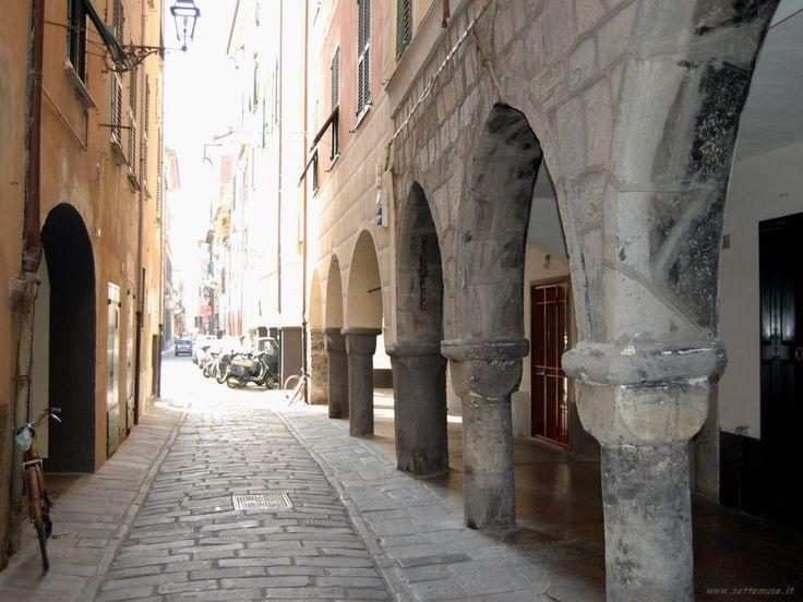 Carruggio, Chiavari, Liguria.