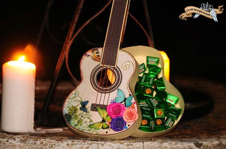 Guitar butterfly - open box