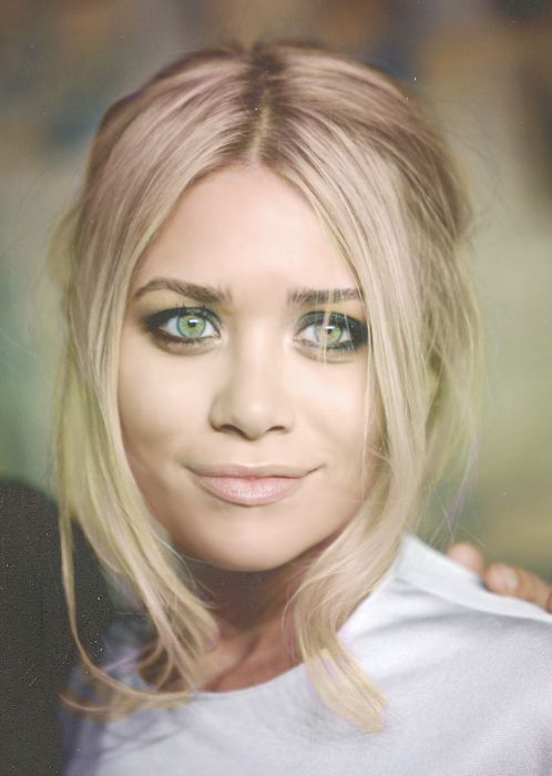 : Olsen Twins, Makeup, Ashley Olsen, Ashleyolsen, Hairstyle, Hair Style, Beauty, Mary Kate, Hair Color
