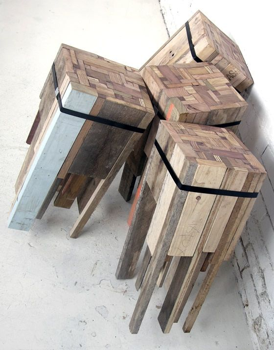 Offcut - Tabouret en bois recyclé et sanglé par Edwards Moore à partir de morceaux e bois récupérés