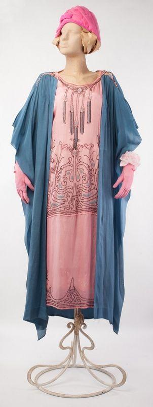 Летнее платье для жаркого дня в стиле Арт-деко