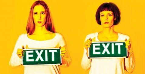 Η παράσταση Exit σε σκηνοθεσία Κώστα Φιλίππογλου παρουσιάζεται στο Bios. #art #theatre #exit #social #play #performance #modern #contemporary