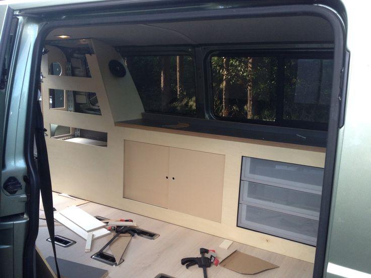 111 best amenagement t5 images on pinterest caravan mobile home and house on wheels. Black Bedroom Furniture Sets. Home Design Ideas