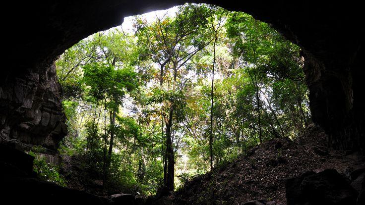 - Cueva del Indio, Valle de San José (Santander). Place for espeliologia.