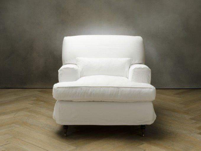 SAVOY Poltrona  codice: 8457100004    Colore  bianco  Rivestimento  cotone  Piedini  faggio  Struttura  faggio e abete  Misura:  (112x96x85)  €750,00