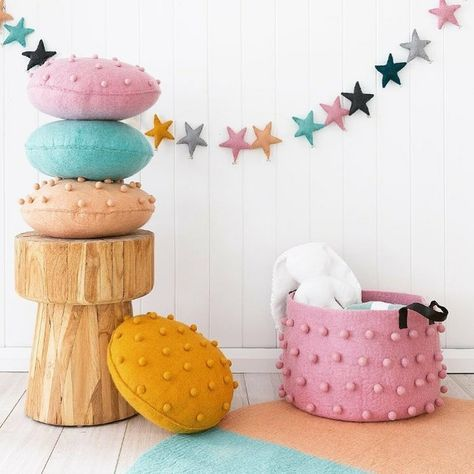 Todays discovery ! Lovely designs with beautiful colours from @oon_official #kidsinteriors_com - - - #kidsinteriors #kidsinterior #kidsroom #childrensroom #kidsdecor #decorforkids #childrensdecor #toystorage #barnrum #cushions #pillows #barnrumsinspo #kinderkamer #kinderzimmer #chambreenfant #textiles #barnerom #kidsdesign #garland #instadecor