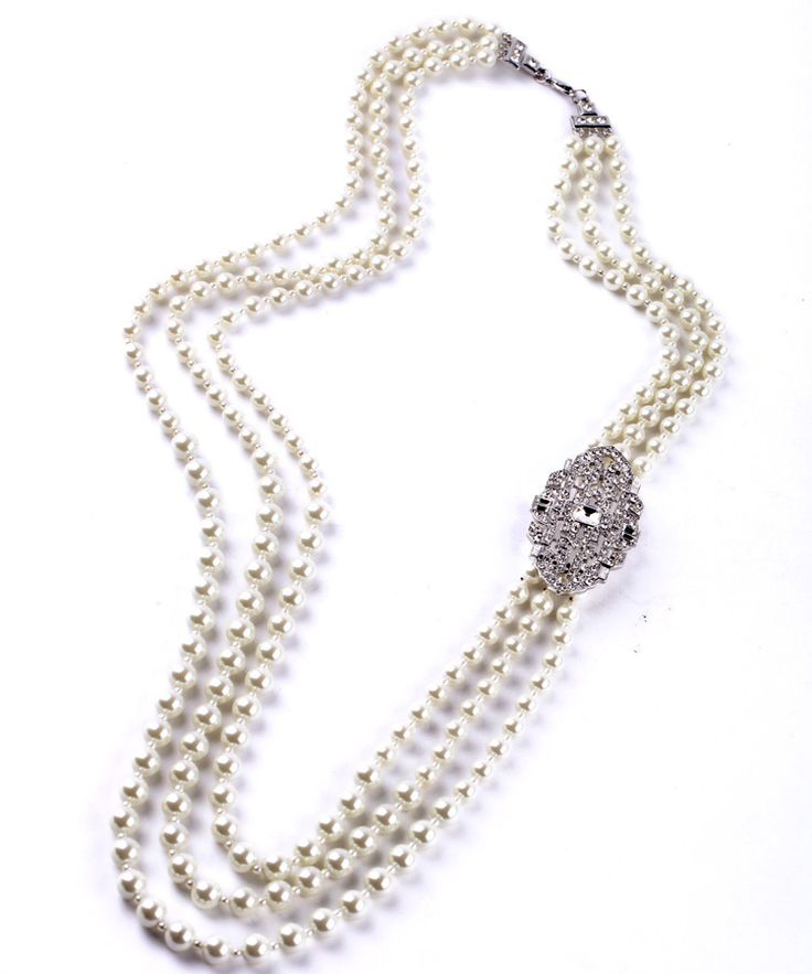 Long pearl necklace Channel style