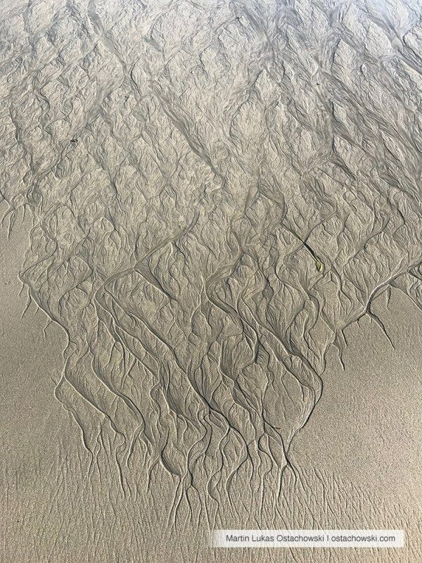 5 Abstract Patterns in the Intertidal Zone #beach #abstract #pattern #textures #textures #plage #strand #sand #sable